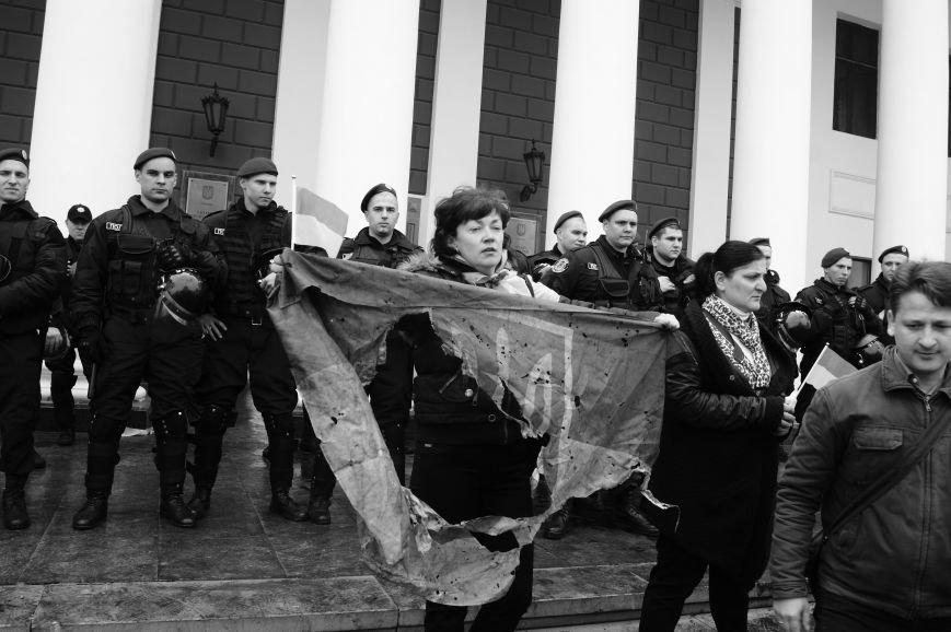 fa170711d5e096a4842dbb92b75c11c3 Полиция с титушками на службе у мэрии: Как в Одессе разгоняли мирный протест