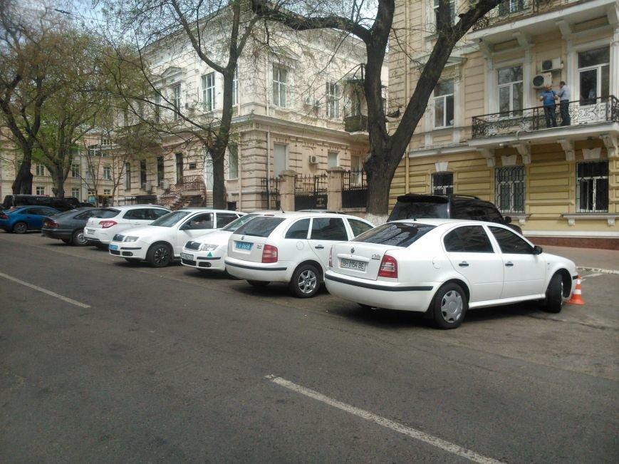 241b1efc3b750d815c72c5b34639240c Фотоподборка: Как в Одессе паркуется полиция