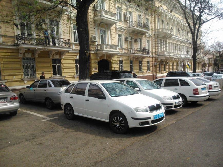 293d9c07daa33e7d95b979afe1a6a0b0 Фотоподборка: Как в Одессе паркуется полиция