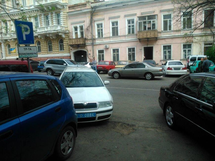 d93e94186455469a2f98c053ef31c9ad Фотоподборка: Как в Одессе паркуется полиция