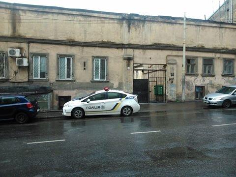 fafdd157fea3a5cc13e4d08c0f36f365 Фотоподборка: Как в Одессе паркуется полиция