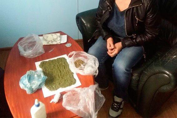 У Львівській області мати принесла для свого сина наркотики у виправний заклад (ФОТО) (фото) - фото 1
