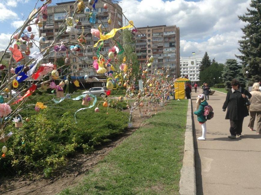 У черкаському сквері оселилися писанки (ФОТО), фото-2