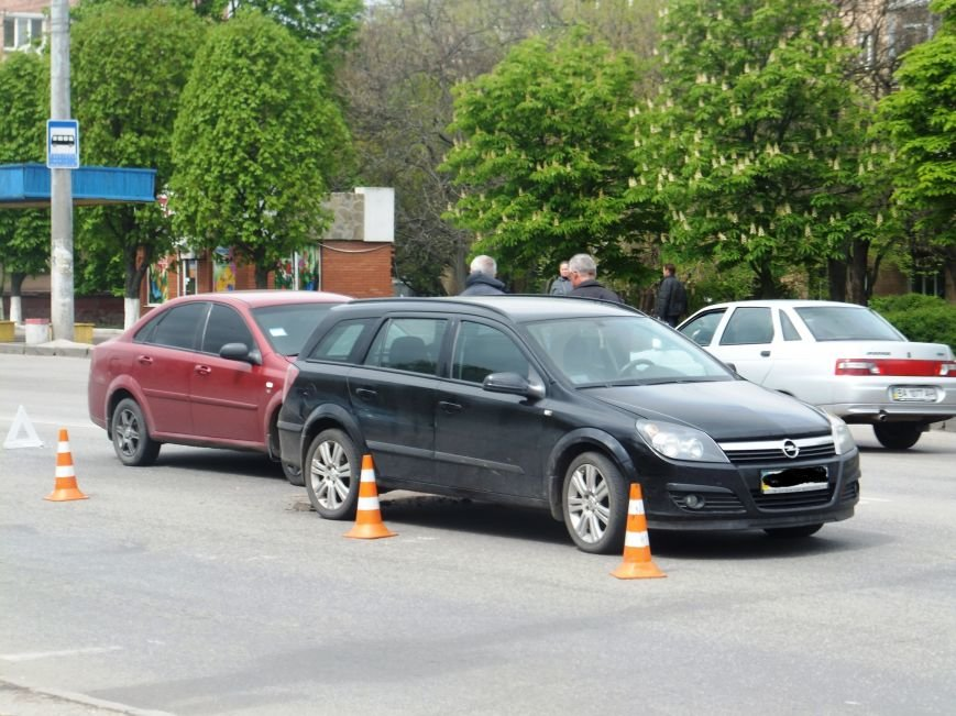 В Кировограде столкнулись две иномарки. ФОТО (фото) - фото 1