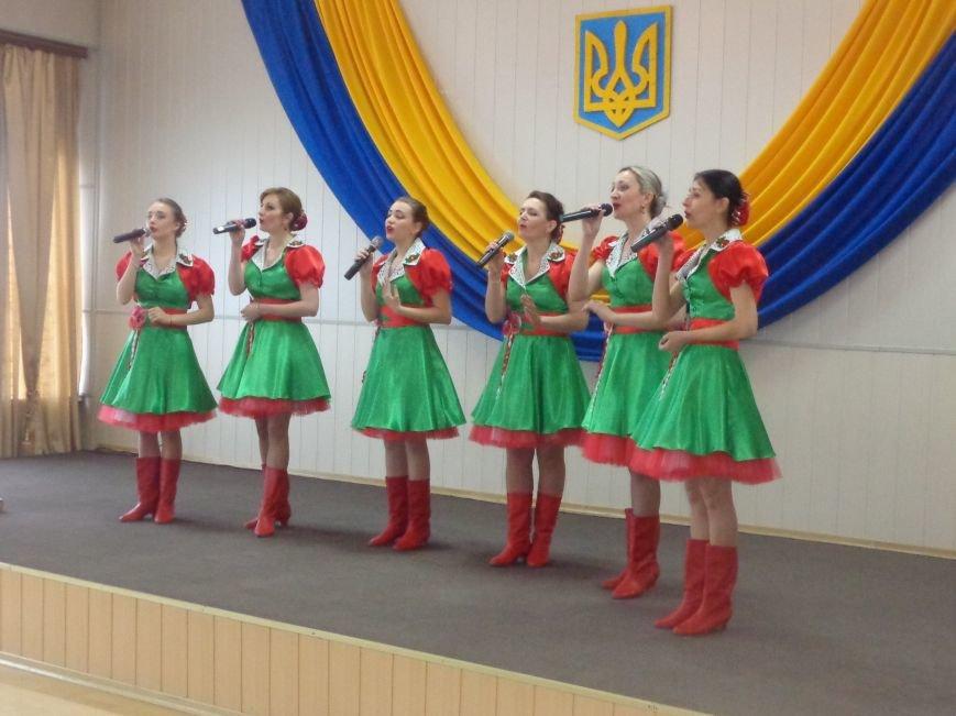 В Красноармейске (Покровске) торжественно почтили светлую память жертв и героический подвиг ликвидаторов аварии на Чернобыльской АЭС (фото) - фото 28