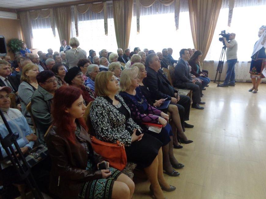 В Красноармейске (Покровске) торжественно почтили светлую память жертв и героический подвиг ликвидаторов аварии на Чернобыльской АЭС (фото) - фото 16