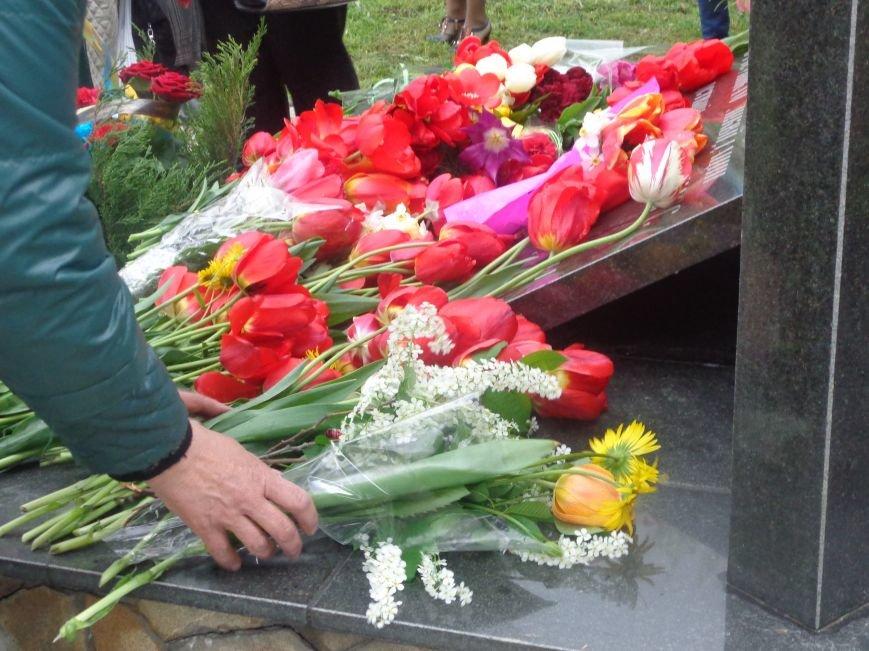 В Красноармейске (Покровске) торжественно почтили светлую память жертв и героический подвиг ликвидаторов аварии на Чернобыльской АЭС (фото) - фото 11