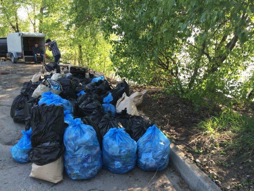 Дніпропетровськ долучився до найбільшого всеукраїнського прибирання (фото) - фото 5