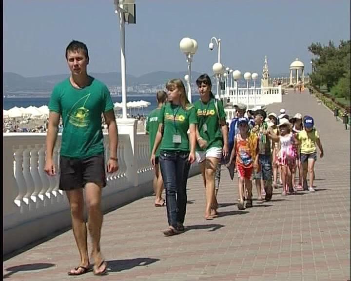 В Армавире малообеспеченным детям дадут бесплатные путевки на море (фото) - фото 1