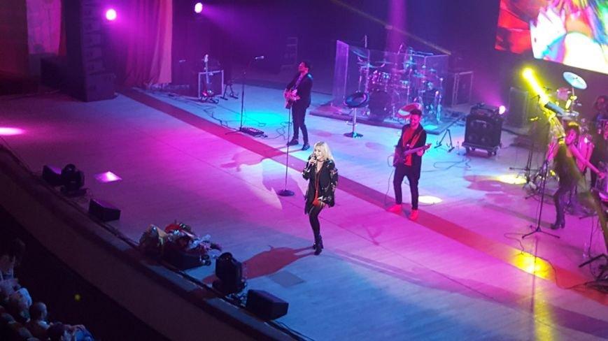 Ірина Білик у Полтаві: «Я співаю завдяки вашій любові, ви – неймовірні глядачі, у вас стільки тепла» (ФОТО) (фото) - фото 2
