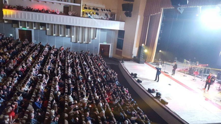 Ірина Білик у Полтаві: «Я співаю завдяки вашій любові, ви – неймовірні глядачі, у вас стільки тепла» (ФОТО) (фото) - фото 5