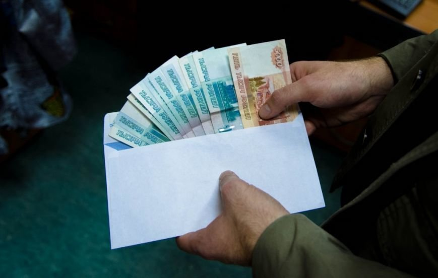 В Саратовской области увеличилась средняя сумма взятки (фото) - фото 1