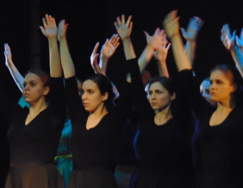 Актеры драмтеатра в Мариуполе заставили плакать зрителей, рассказав о трагедии в Чернобыле (ФОТО+ВИДЕО), фото-2