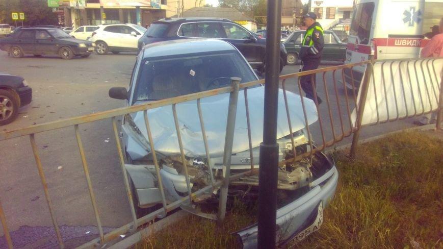 ДТП в Симферополе: Столкнулись три ВАЗа и иномарка, два человека пострадали (ФОТО) (фото) - фото 3