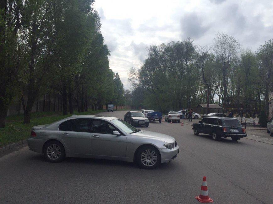 BMW столкнулся с такси DAEWOO Lanos, а Kia Rio сбила мужчину (фото) - фото 2
