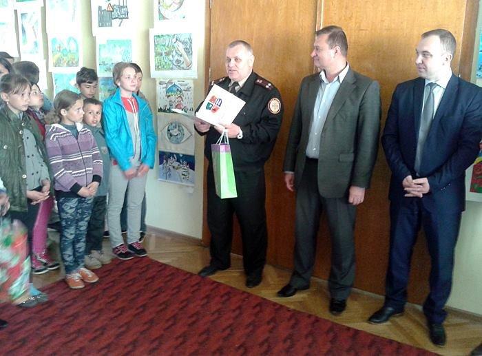 Берегівські рятувальники долучилися до проведення конкурсу «Природа очима дітей» (фото) - фото 1