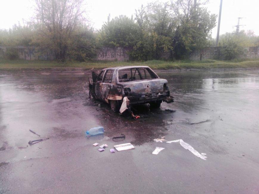 Возле поселка Мирный загорелся автомобиль (ФОТО, ВИДЕО), фото-2