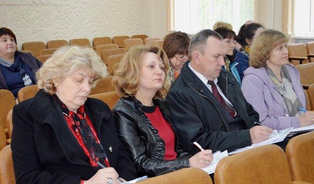 Освітяни Хмельниччини ділились досвідом оптимізації шкіл та управління освітою в ОТГ, фото-2