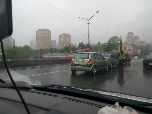 ДТП на Центральном мосту: столкнулись Hyundai и Lexus (ФОТО) (фото) - фото 3