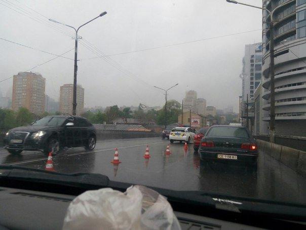 ДТП на Центральном мосту: столкнулись Hyundai и Lexus (ФОТО) (фото) - фото 2