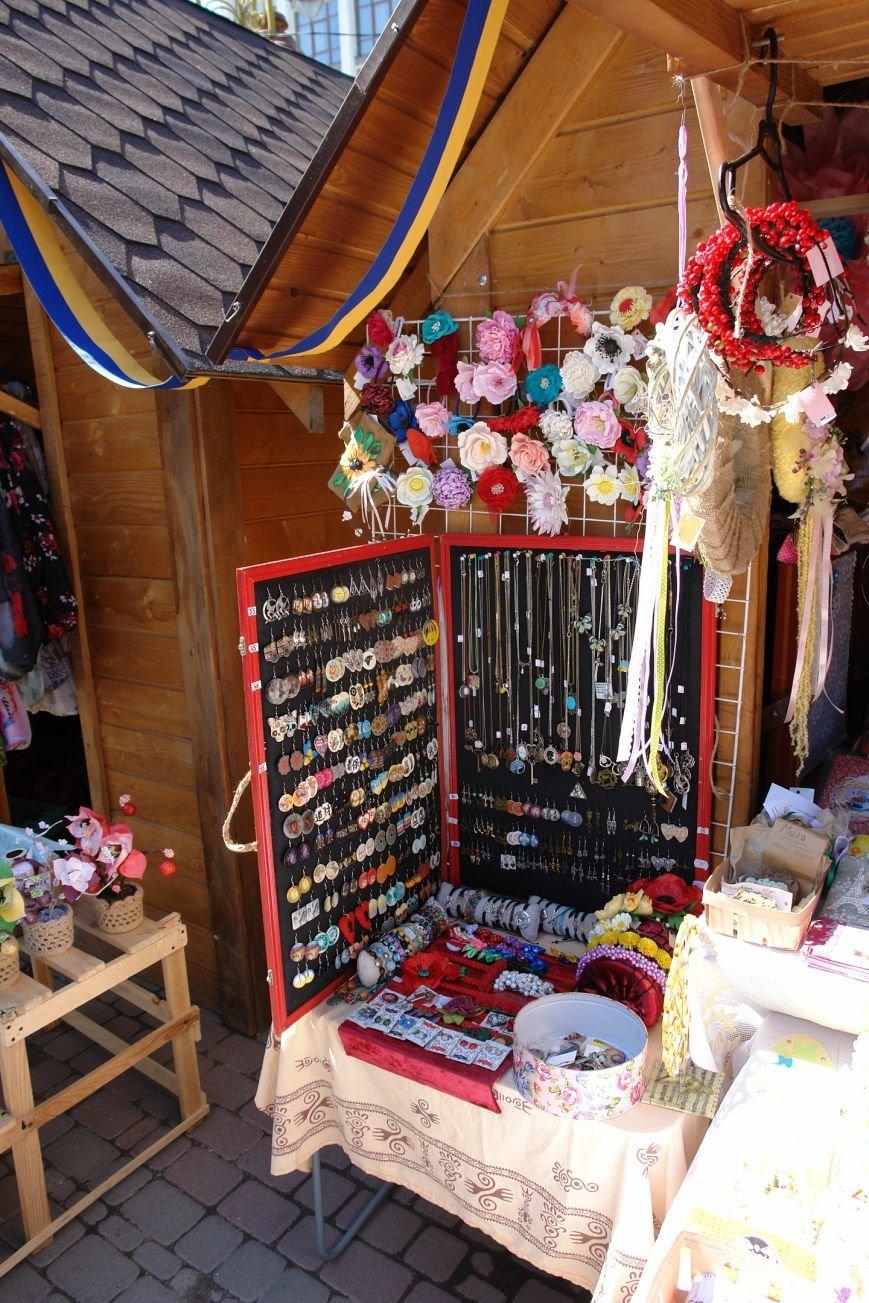 В центрі міста запрацював Великодній ярмарок (ФОТО) (фото) - фото 23