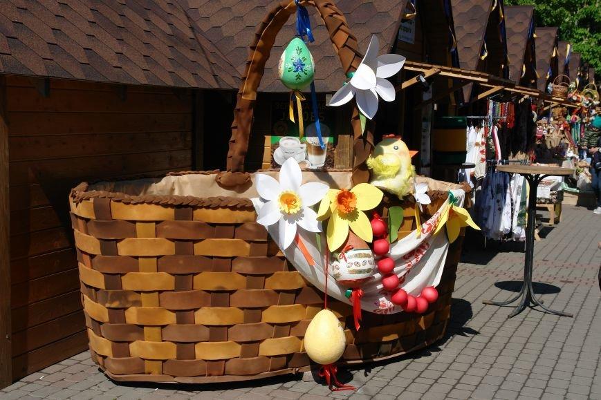 В центрі міста запрацював Великодній ярмарок (ФОТО) (фото) - фото 19