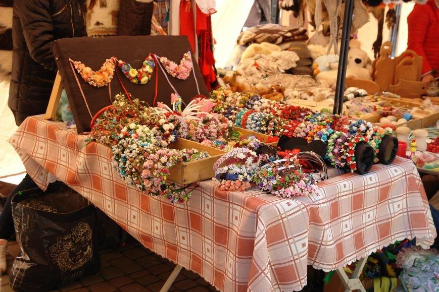 В центрі міста запрацював Великодній ярмарок (ФОТО) (фото) - фото 6