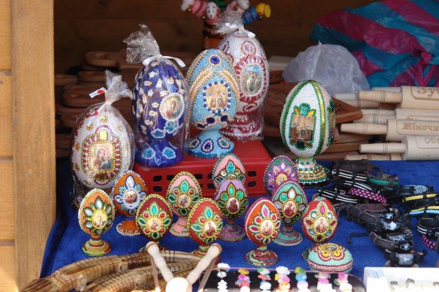 В центрі міста запрацював Великодній ярмарок (ФОТО) (фото) - фото 21