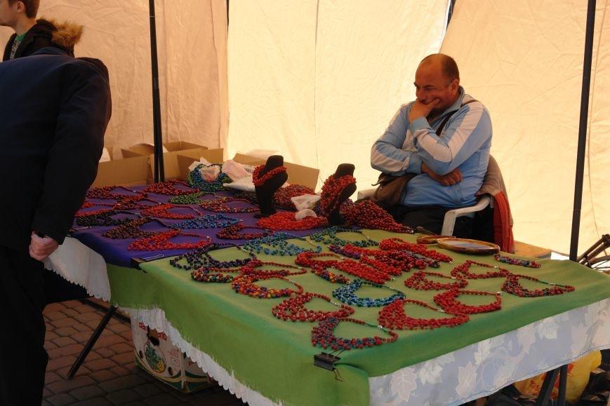 В центрі міста запрацював Великодній ярмарок (ФОТО) (фото) - фото 8