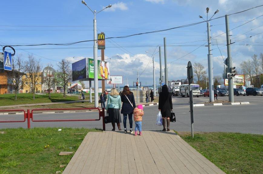 Вблизи закрытого подземного перехода в Витебске пешеходам приходится бегом пересекать проезжую часть, фото-2