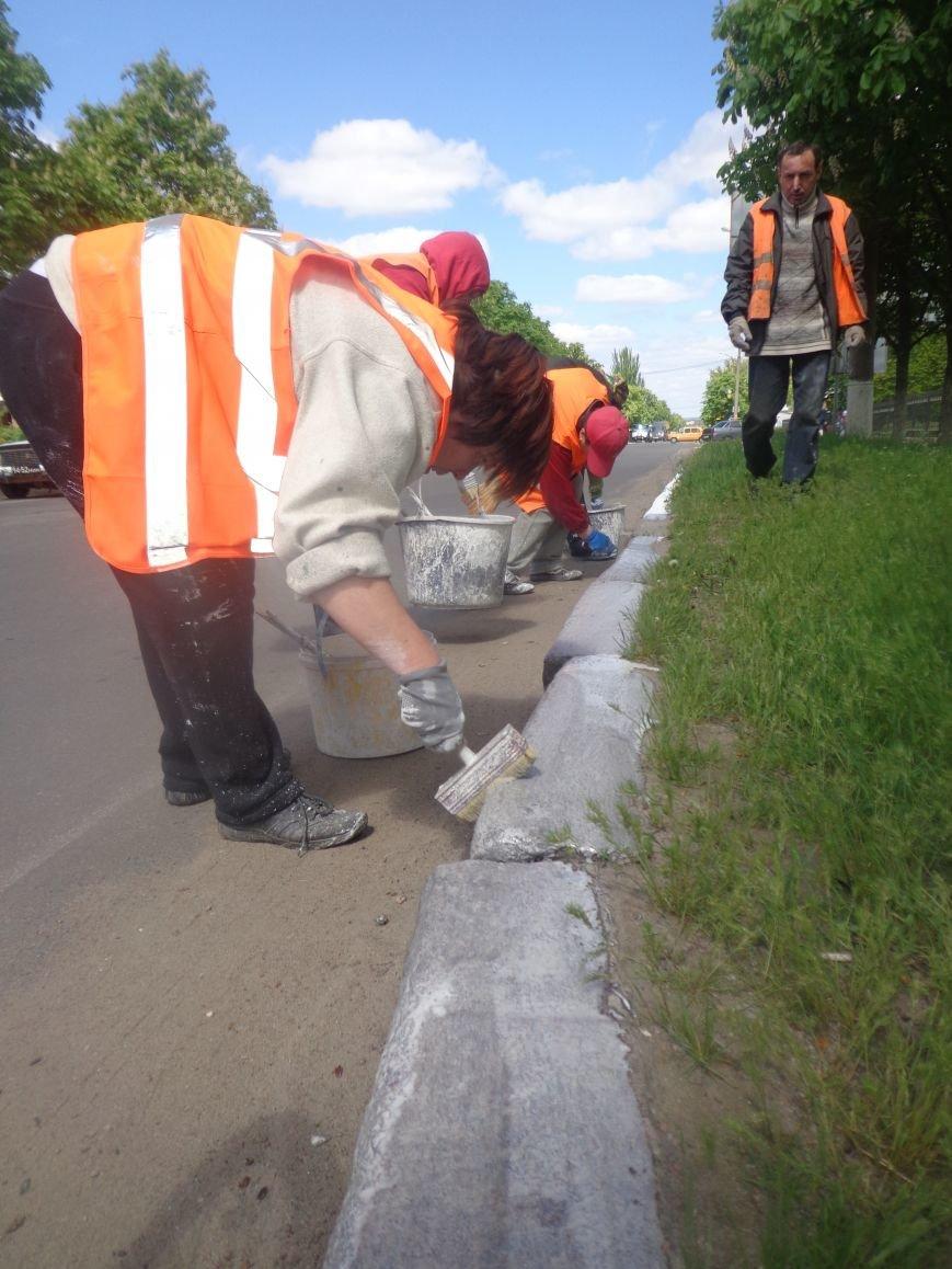 Коммунальщики ремонтируют дорогу на ул.Одесской (фото) - фото 4