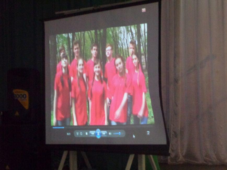 «Мы выбираем life: жизнь – это лучший кайф!» - в Красноармейске (Покровске) прошёл ежегодный тематический КВН, посвящённый здоровому образу жизни (фото) - фото 9