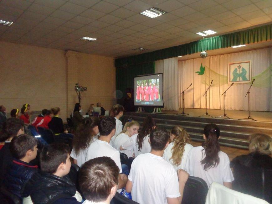 «Мы выбираем life: жизнь – это лучший кайф!» - в Красноармейске (Покровске) прошёл ежегодный тематический КВН, посвящённый здоровому образу жизни (фото) - фото 10