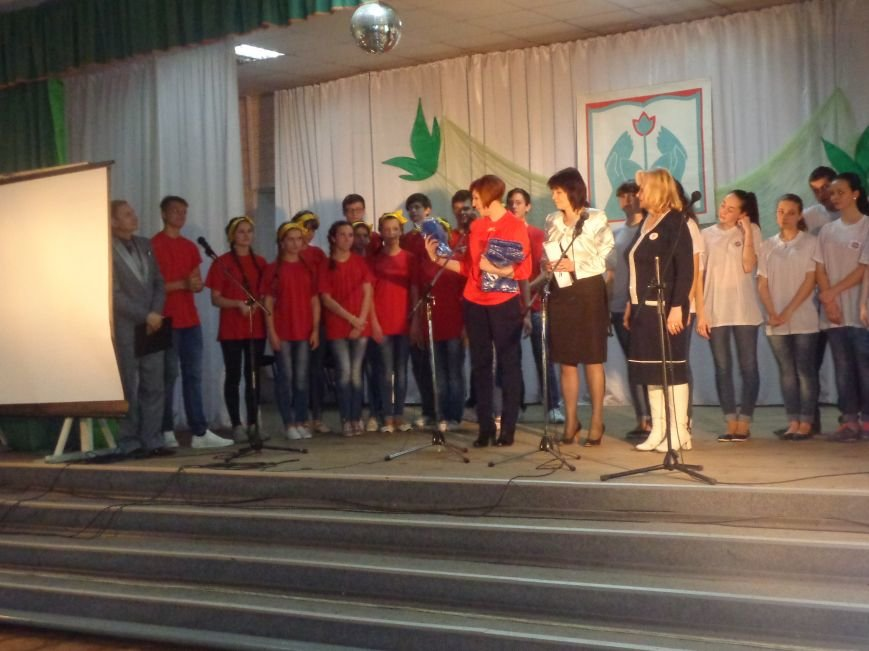 «Мы выбираем life: жизнь – это лучший кайф!» - в Красноармейске (Покровске) прошёл ежегодный тематический КВН, посвящённый здоровому образу жизни (фото) - фото 17