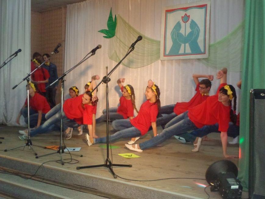 «Мы выбираем life: жизнь – это лучший кайф!» - в Красноармейске (Покровске) прошёл ежегодный тематический КВН, посвящённый здоровому образу жизни (фото) - фото 6