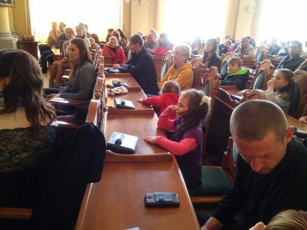 110 дітей учасників АТО отримали допомогу від колективу театру Львівської опери та балету (ФОТО) (фото) - фото 5
