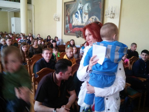 110 дітей учасників АТО отримали допомогу від колективу театру Львівської опери та балету (ФОТО) (фото) - фото 7