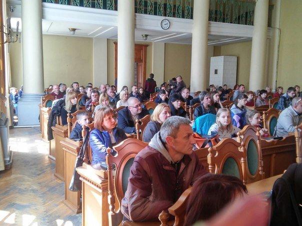 110 дітей учасників АТО отримали допомогу від колективу театру Львівської опери та балету (ФОТО) (фото) - фото 1
