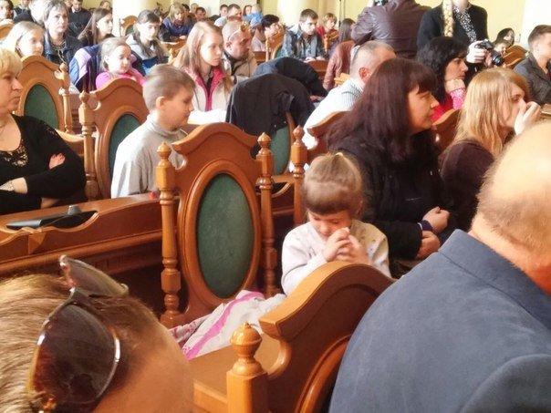 110 дітей учасників АТО отримали допомогу від колективу театру Львівської опери та балету (ФОТО) (фото) - фото 6