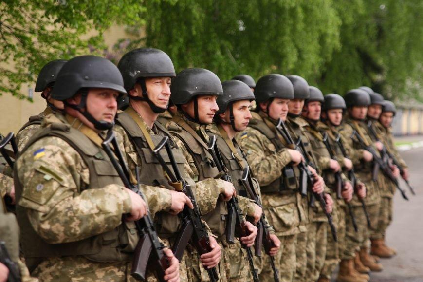 """Сегодня утром военные в/ч А1546 обезвредили группу """"диверсантов"""", пытавшихся захватить склад (ФОТО), фото-1"""