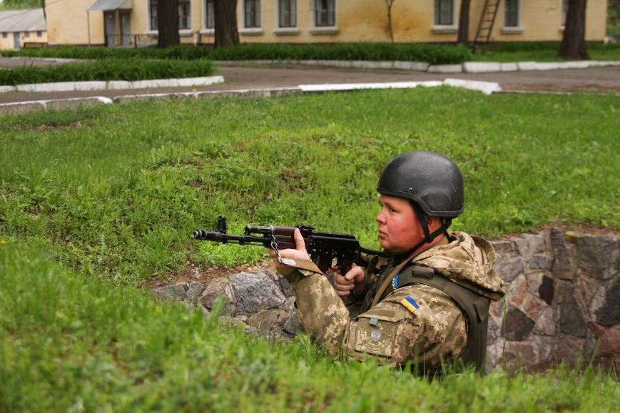 """Сегодня утром военные в/ч А1546 обезвредили группу """"диверсантов"""", пытавшихся захватить склад (ФОТО), фото-3"""