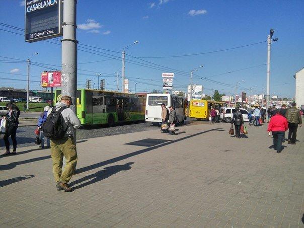 Львів'яни пропонують встановити світлофор біля «Скрині» та збільшити посадковий майданчик (ФОТО) (фото) - фото 8