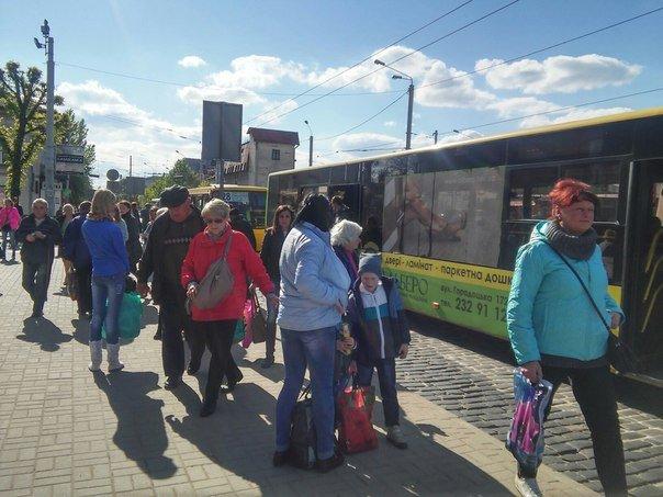 Львів'яни пропонують встановити світлофор біля «Скрині» та збільшити посадковий майданчик (ФОТО) (фото) - фото 6