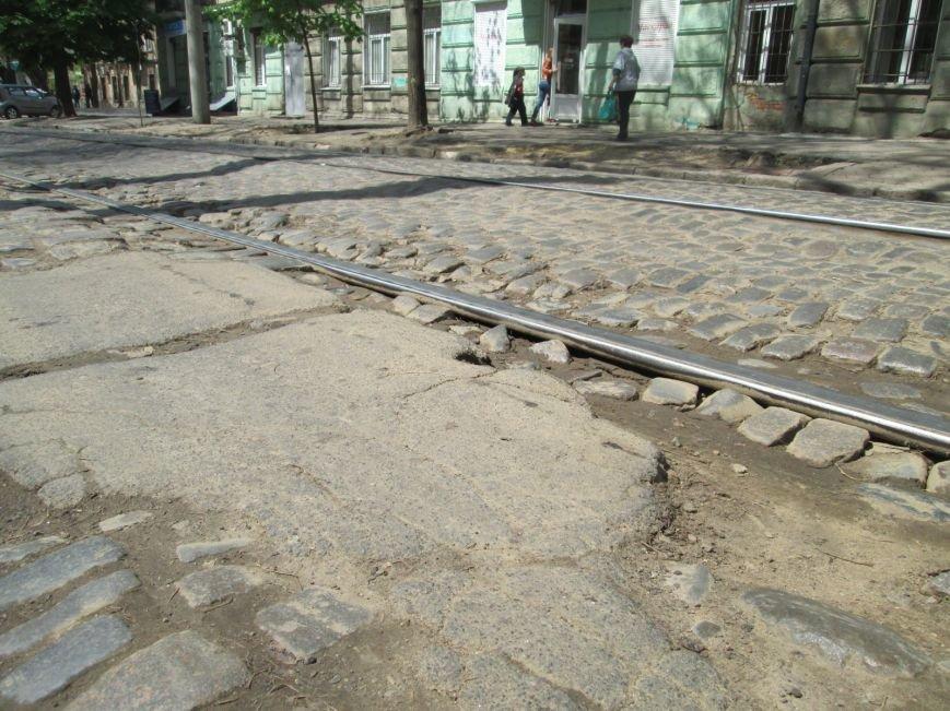 5832678793636855396b98194d099388 В лужу или яму? Одесские дороги предоставляют богатый выбор