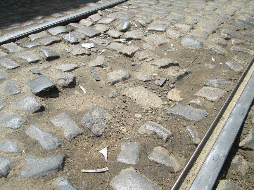 eaf8eb7a5ebbc918fb4502095e702144 В лужу или яму? Одесские дороги предоставляют богатый выбор