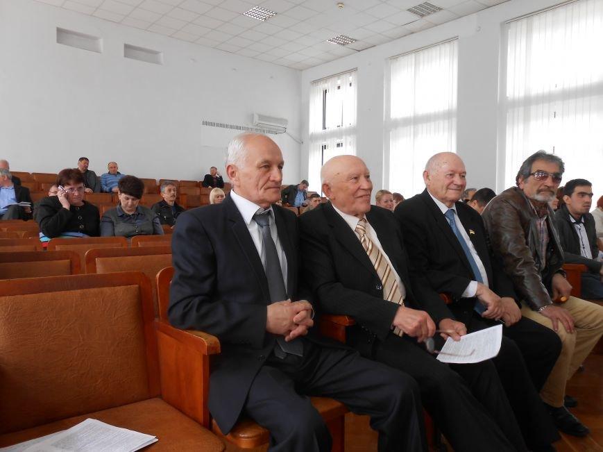 Звание «Почетный гражданин Днепродзержинска» присвоено Евгению Сорокину (фото) - фото 1