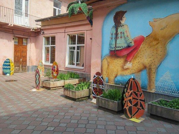У Львові презентували виставку з виготовлення писанок розміром 1 метр (ФОТО) (фото) - фото 1