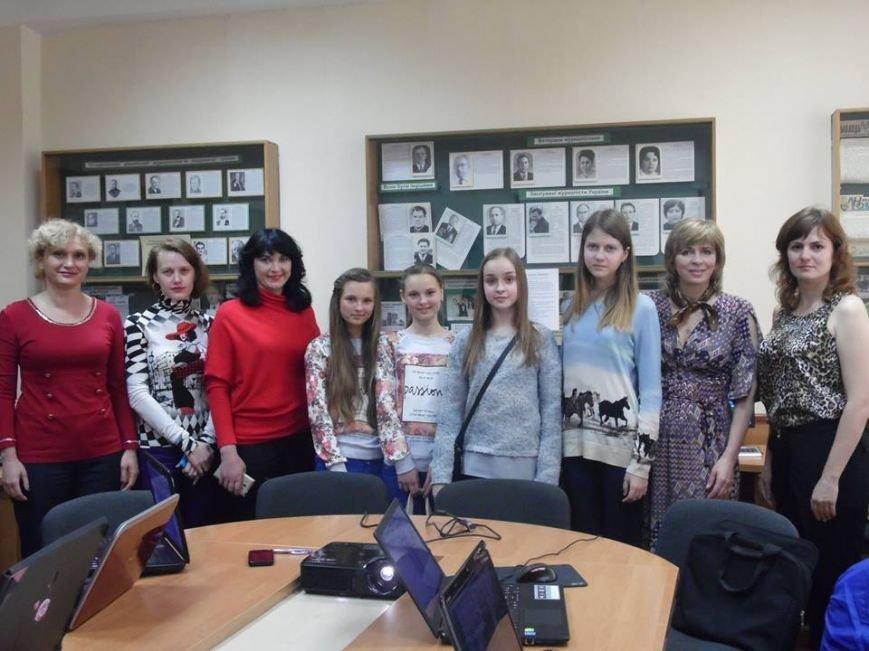 Переможці «Екологічної казки» пізнавали секрети видавничої справи в черкаському університеті (ФОТО), фото-3