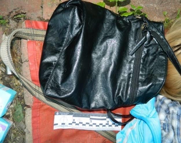 На Владимирской горке нашли труп женщины со следами удушения (ФОТО) (фото) - фото 3