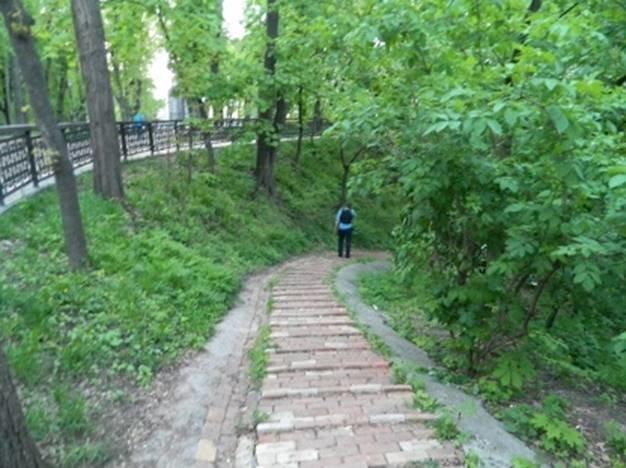 На Владимирской горке нашли труп женщины со следами удушения (ФОТО) (фото) - фото 1
